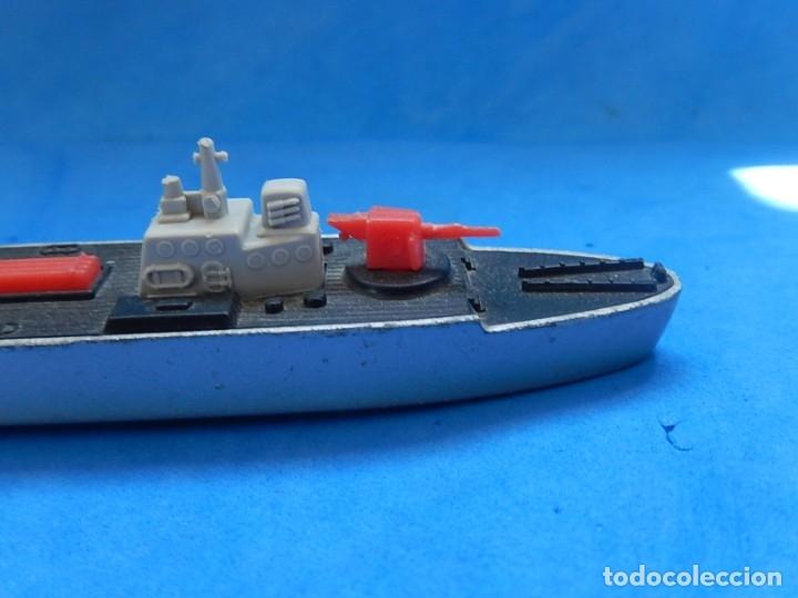 Maquetas: Dos barcos de guerra. Corvette (Corbeta) C70. Fabricados en Inglaterra por Matchbox, Lesney. 1976. - Foto 5 - 174513222
