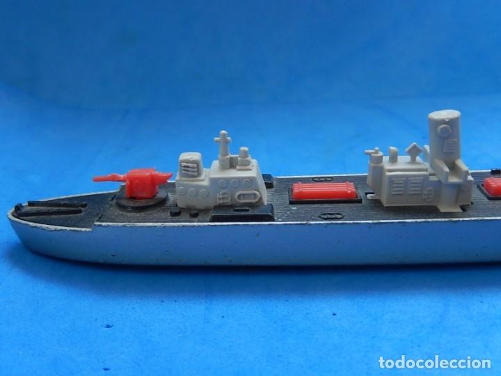 Maquetas: Dos barcos de guerra. Corvette (Corbeta) C70. Fabricados en Inglaterra por Matchbox, Lesney. 1976. - Foto 9 - 174513222