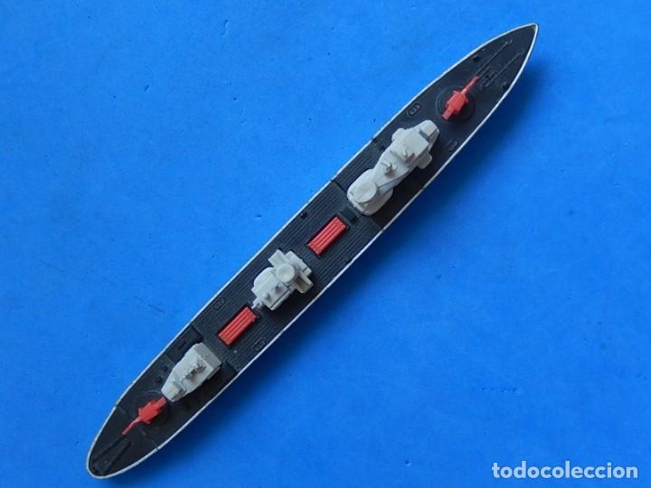 Maquetas: Dos barcos de guerra. Corvette (Corbeta) C70. Fabricados en Inglaterra por Matchbox, Lesney. 1976. - Foto 10 - 174513222