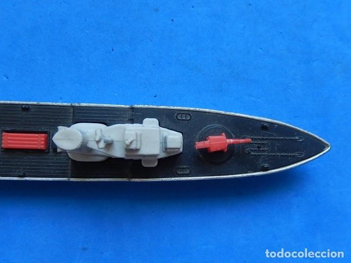 Maquetas: Dos barcos de guerra. Corvette (Corbeta) C70. Fabricados en Inglaterra por Matchbox, Lesney. 1976. - Foto 11 - 174513222
