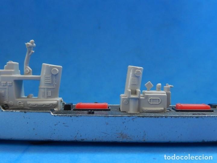 Maquetas: Dos barcos de guerra. Corvette (Corbeta) C70. Fabricados en Inglaterra por Matchbox, Lesney. 1976. - Foto 20 - 174513222