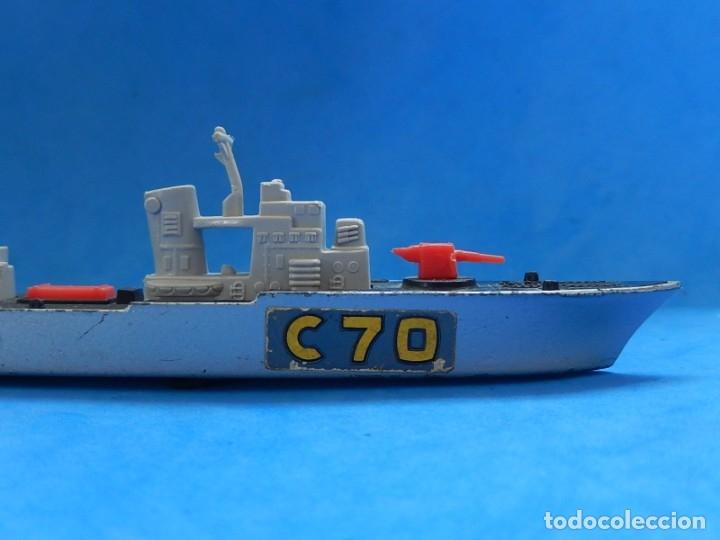 Maquetas: Dos barcos de guerra. Corvette (Corbeta) C70. Fabricados en Inglaterra por Matchbox, Lesney. 1976. - Foto 23 - 174513222