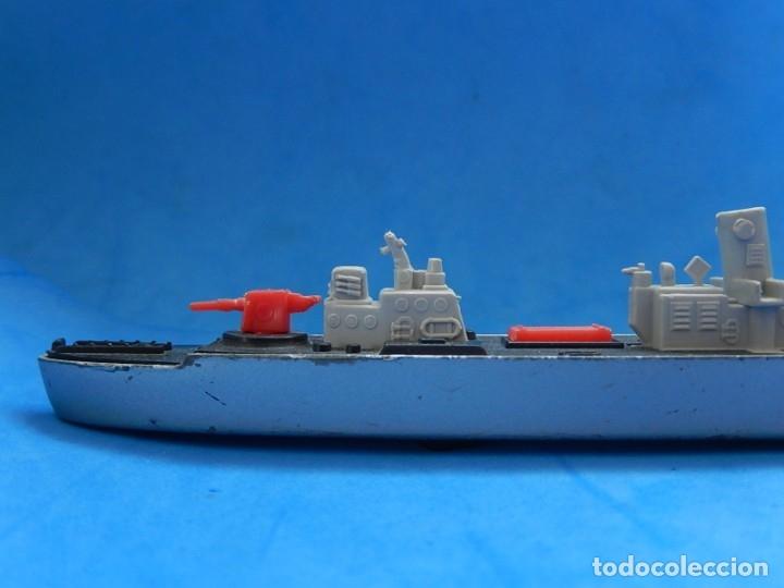 Maquetas: Dos barcos de guerra. Corvette (Corbeta) C70. Fabricados en Inglaterra por Matchbox, Lesney. 1976. - Foto 25 - 174513222