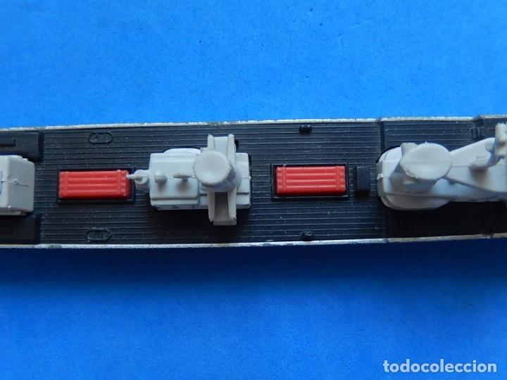 Maquetas: Dos barcos de guerra. Corvette (Corbeta) C70. Fabricados en Inglaterra por Matchbox, Lesney. 1976. - Foto 28 - 174513222