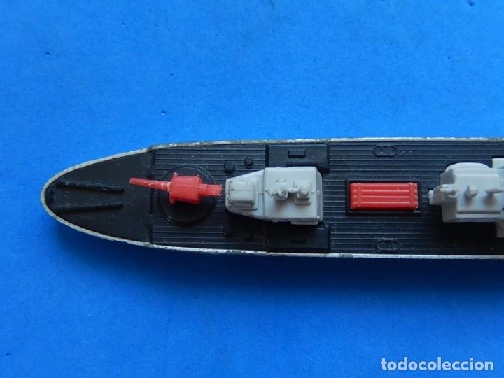 Maquetas: Dos barcos de guerra. Corvette (Corbeta) C70. Fabricados en Inglaterra por Matchbox, Lesney. 1976. - Foto 29 - 174513222