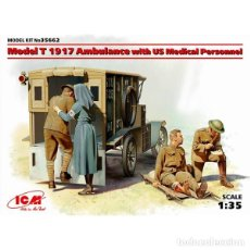 Maquetas: MODEL T 1917 AMBULANCE WITH US MEDICAL PERSONNEL ICM 1/35. Lote 174997182