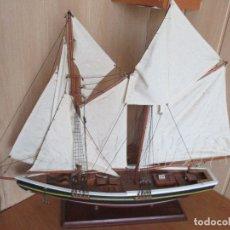 Maquetas: BONITA Y DECORATIVA MAQUETA DE BARCO VELERO DE MADERA (80 CM DE LARGO). Lote 176561817