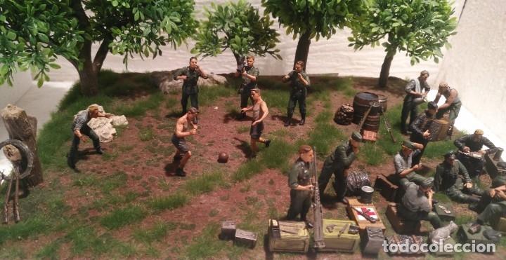 Maquetas: Diorama tropas alemanas jugando a fútbol y cartas 1/35 montado y pintado con detalles - Foto 2 - 176871339