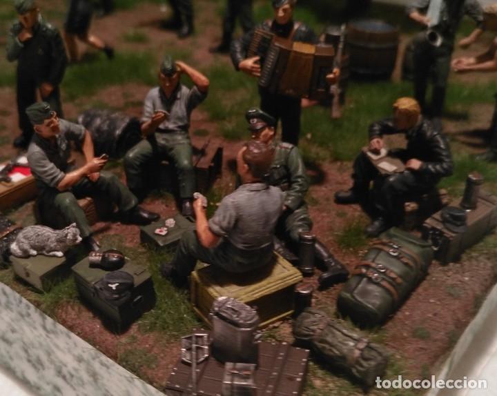 Maquetas: Diorama tropas alemanas jugando a fútbol y cartas 1/35 montado y pintado con detalles - Foto 7 - 176871339