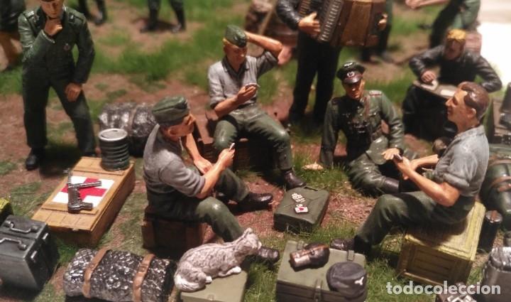 Maquetas: Diorama tropas alemanas jugando a fútbol y cartas 1/35 montado y pintado con detalles - Foto 8 - 176871339