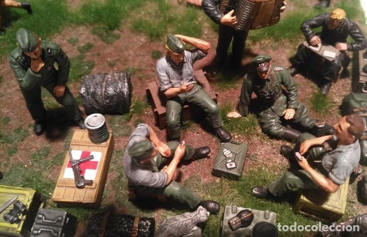 Maquetas: Diorama tropas alemanas jugando a fútbol y cartas 1/35 montado y pintado con detalles - Foto 9 - 176871339