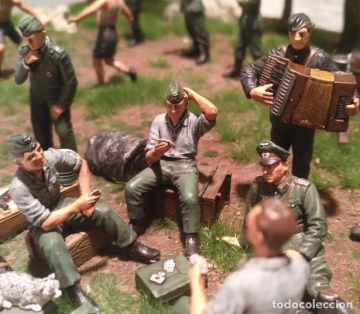Maquetas: Diorama tropas alemanas jugando a fútbol y cartas 1/35 montado y pintado con detalles - Foto 10 - 176871339