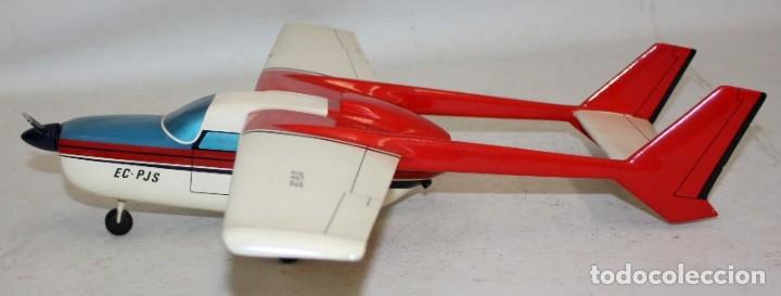 AVION DE MADERA DE LOS AÑOS 80 (Juguetes - Modelismo y Radio Control - Maquetas - Aviones y Helicópteros)