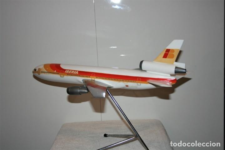 Maquetas: MAQUETA AVION DC-10 IBERIA, DE AGENCIA DE VIAJES, FABRICADA POR AIRPLAST, AÑOS 80. - Foto 6 - 172590513
