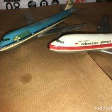 Maquetas: DOS AVIONES DE PLÁSTICO MILANO BOEING 747, ESCALA 1/300 ITALIA. INDONESIA AIRWAIS Y KLM.GARUDA. Lote 183279213