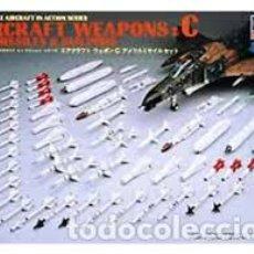 Maquetas: HASEGAWA - AIRCRAFT WEAPONS C U.S MISSILES & GUN PODS 1/48 X48 3. Lote 184549861