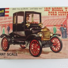 Maquetas: REVELL, FUN TO ASSEMBLE PLASTIC KIT. GIANT SCALE. 1917 MODEL T FORD COUPE. 1960.. Lote 191777075