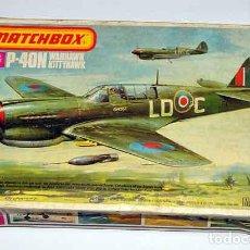 Maquetas: MAQUETA DEL CAZA CURTISS P-40N WARHAWK/KITTYHAWK DE MATCHBOX A 1/72 (VINTAGE, CAJA Y CALCAS MAL). Lote 191779187