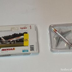 Maquettes: HERPA IBERIA BOEING 757-200 AVIÓN METAL ESCALA 1:500. Lote 192764687