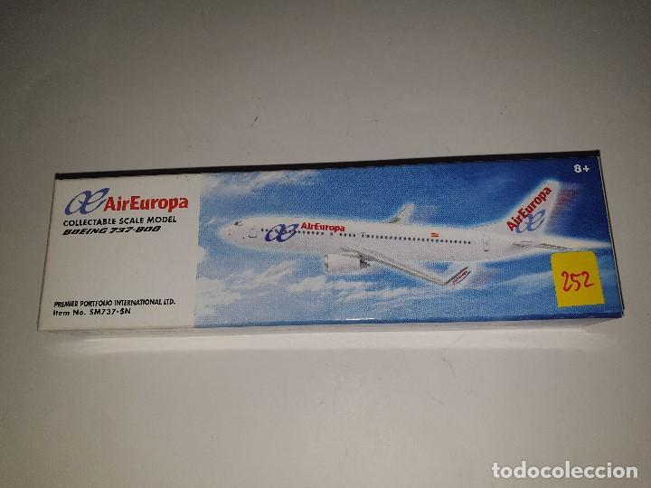 PREMIER PORTFOLIO INTERNATIONAL AIR EUROPA BOEING 737-800 AVIÓN ESCALA 1:200 (Juguetes - Modelismo y Radio Control - Maquetas - Aviones y Helicópteros)