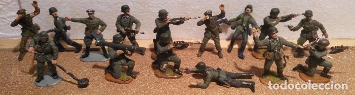 LOTE 15 SOLDADOS ALEMANES 1/35 (Juguetes - Modelismo y Radiocontrol - Maquetas - Militar)