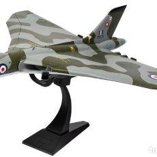 Maquetas: AVIÓN AVRO VULCAN B.2 XM575, RAF NO.101 SQN, WADDINGTON WING, 1975, 1:72 REINO UNIDO. Lote 194603233