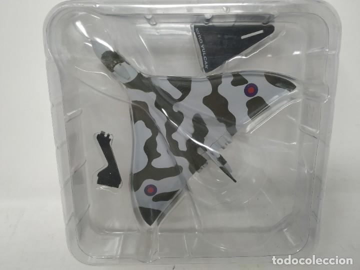 AVRO VULCAN B MK-2. AVIONES EN COMBATE. DEL PRADO. NUEVO. (Juguetes - Modelismo y Radio Control - Maquetas - Aviones y Helicópteros)
