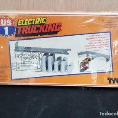 Maquetas: TYCO ELECTRIC TRUCKIN REF 1434 SIN ABRIS CON CELOFAN DESCARGA ELEVADA DE GRAVA. Lote 196263138