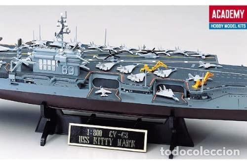 Maquetas: LOTE MAQUETA NAVIO / BUQUE - ACADEMY - PORTAAVIONES KITTY HAWK USS CV 63 - LONG 41 CM - ESCL 1/800 - Foto 3 - 201621737