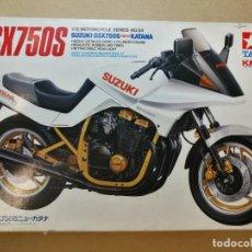 Maquetas: KIT MOTO MAQUETA TAMIYA DE LA MOTOCICLETA SUZUKI GSX 750 S KATANA VER FOTOS. Lote 202383930