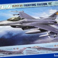 Macchiette: F-16CJ FIGHTING FALCON 1:32 TAMIYA. Lote 206295687