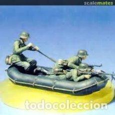 Maquetas: RIVER ASSAULTS (3 FIGUREN AND BASE) 1:35 JAGUAR 63124. Lote 207043450