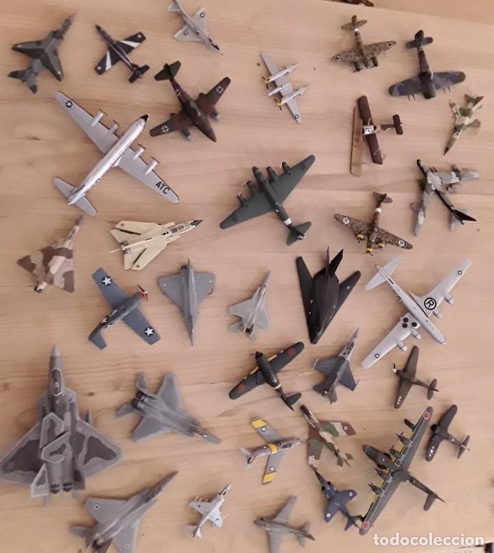 LOTE DE 36 AVIONES A ESCALA (Juguetes - Modelismo y Radio Control - Maquetas - Aviones y Helicópteros)
