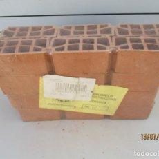 Maquetas: LOTE DE 24 BOBEDILLAS MIDEN 5,5 CM. Lote 211800157
