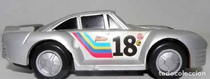 AUTOMÓVIL DEPORTIVO DE CHAPA METÁLICA, GOMA Y PLÁSTICO. AÑOS 1968-1972 (Juguetes - Modelismo y Radiocontrol - Maquetas - Coches y Motos)