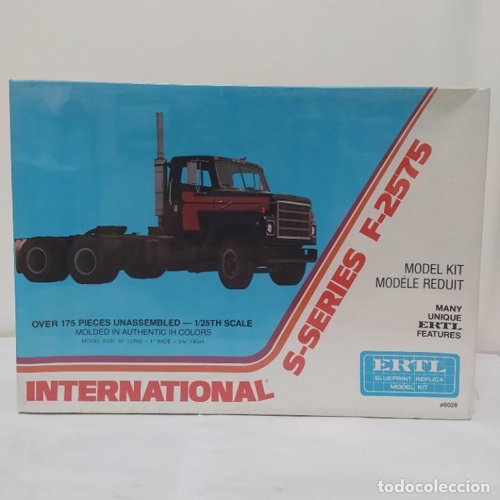 INTERNATIONAL S-SERIES F-2575 DE ERTL. AÑO 1978. PRECINTADO, SIN ABRIR. (Juguetes - Modelismo y Radiocontrol - Maquetas - Coches y Motos)