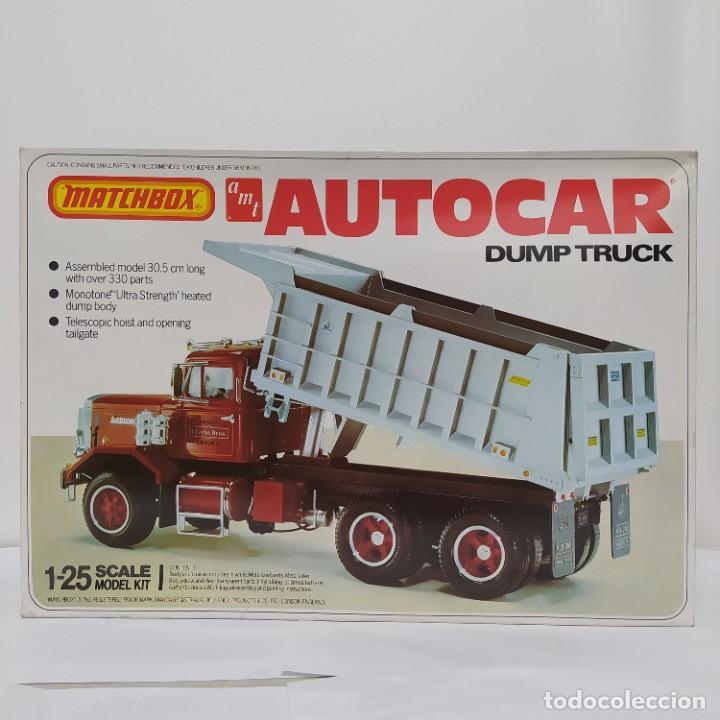 AUTOCAR DUMP TRUCK 1/25 AMT/ MATCHBOX. NUEVO Y COMPLETO. (Juguetes - Modelismo y Radiocontrol - Maquetas - Coches y Motos)