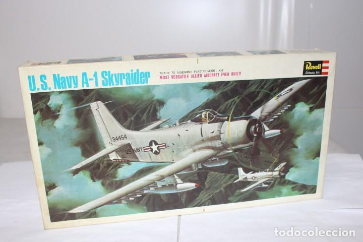 U.S NAVY A-1 SKYRAIDER REVELL. NUEVO Y COMPLETO (Juguetes - Modelismo y Radio Control - Maquetas - Aviones y Helicópteros)