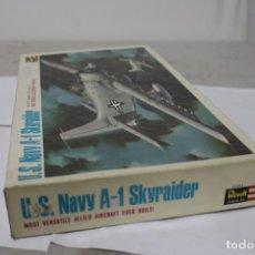 Maquetas: U.S NAVY A-1 SKYRAIDER REVELL. NUEVO Y COMPLETO. Lote 221101340