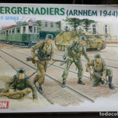 Maquettes: DRAGON 6161 - 1:35 - PANZERGRENADIERS (ARNHEM 1944). Lote 221683401