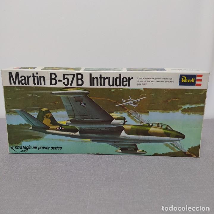 MARTIN B-57B INTRUDER REVELL ESCALA 1/81 NUEVO, SIN MONTAR. 1970 (Juguetes - Modelismo y Radio Control - Maquetas - Aviones y Helicópteros)