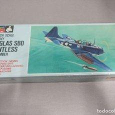 Maquetas: DOUGLAS SBD DAUNTLESS DIVE BOMBER MONOGRAM , ESCALA 1/4 NUEVO.. Lote 222360592