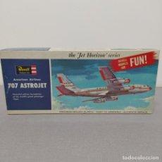 Maquetas: AMERICAN AIRLINE 707 ASTROJET 1/139 REVELL. NUEVO Y COMPLETO. Lote 222472320