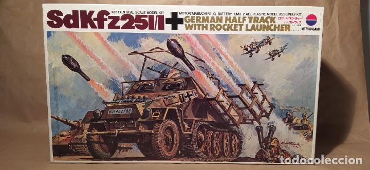 SD.KFZ.251/1 GERMAN HALF TRACK WITH ROCKET LAUNCHER. NUEVO TODO PRECINTADO (Juguetes - Modelismo y Radiocontrol - Maquetas - Militar)