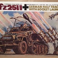 Maquetas: SD.KFZ.251/1 GERMAN HALF TRACK WITH ROCKET LAUNCHER. NUEVO TODO PRECINTADO. Lote 225629165
