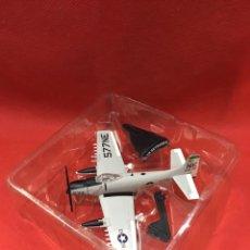 Macchiette: A-1H SKYRAIDER. 1/110. EDICIONES DEL PRADO. EN SU BLISTER ORIGINAL. Lote 226498525