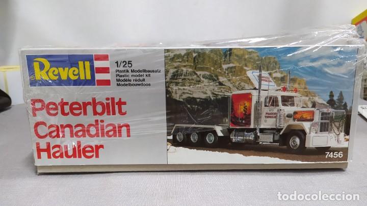 Maquetas: Peterbilt Canadian hauler Revell 1/25. Nuevo, todas las bolsas precintadas. - Foto 2 - 229175400