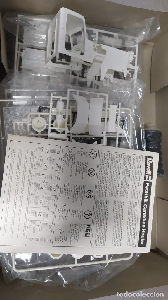 Maquetas: Peterbilt Canadian hauler Revell 1/25. Nuevo, todas las bolsas precintadas. - Foto 3 - 229175400