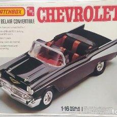 Maquetas: 1957 CHEVROLET BEL-AIR CONVERTIBLE 1/18 MATCHBOX AMT. NUEVO, BOLSAS SIN ABRIR.. Lote 231522860