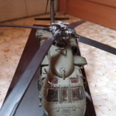 Maquetas: UH-60 BLACK HAWK HELICOPTERO ESTADOS UNIDOS KUWAIT 1991 FORCES OF VALOR 1/48. Lote 233411265